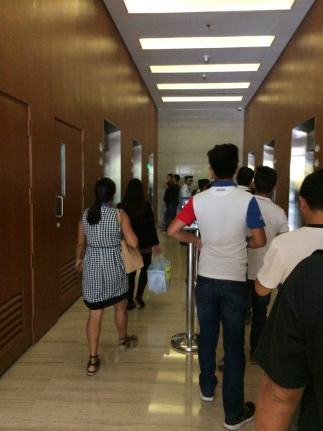 SM Auraエレベーター