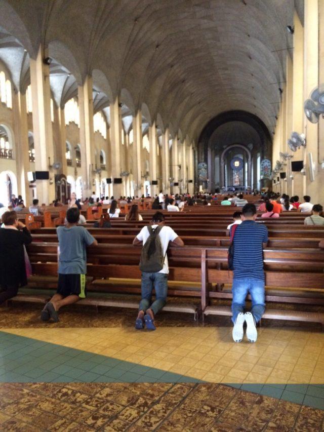バクララン ( Baclaran ) マニラ 貧困 教会